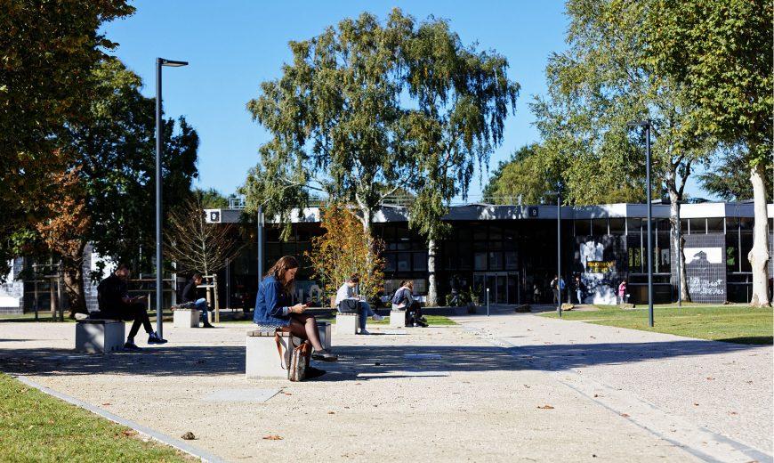 Campus de Mont-Saint-Aignan, extérieur