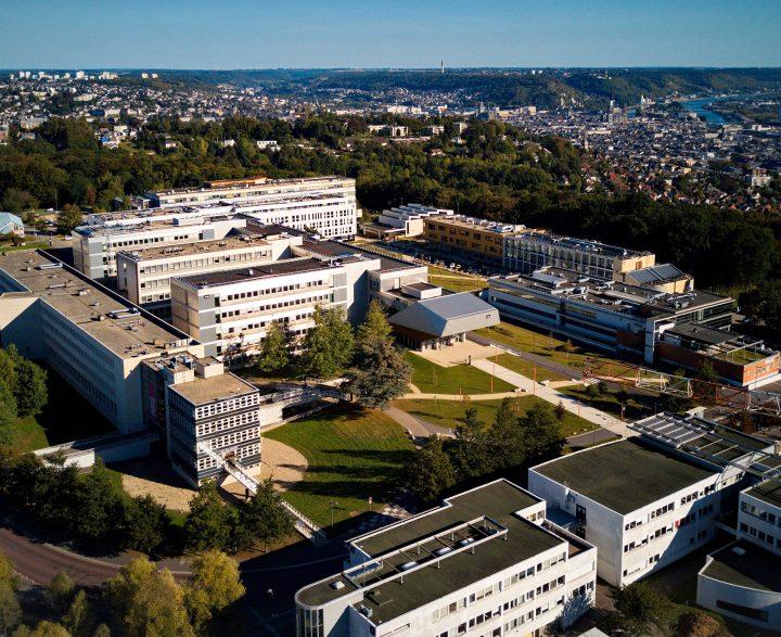 Vue aérienne du campus de Mont-Saint-Aignan